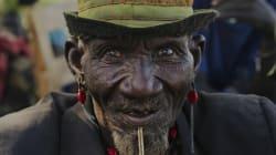 Κένυα: Λιθοβόλησαν μέχρι θανάτου και έκαψαν έναν 20χρονο ύποπτο για μακελειό σε