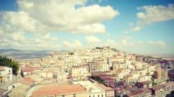 Ετοιμάστε βαλίτσες: Μια μικρή και παραμυθένια ιταλική πόλη δίνει μέχρι και 2.000 ευρώ σε όποιον εγκατασταθεί