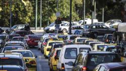 Εικόνες από το κυκλοφοριακό χάος στους δρόμους της