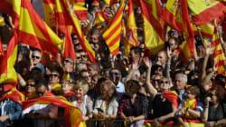 Μαζική διαδήλωση υπέρ της παραμονής της Καταλονίας στη