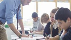 Καθηγητής αποφασίζει να τιμωρήσει τους μαθητές του για τους κακούς βαθμούς που πήραν με τον πιο περίεργο