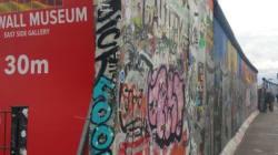 Le mur de Berlin: mémoire d'une capitale