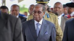 Zimbabwe: Mugabe réapparaît en public après son arrestation par les