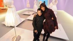 Les premières images de Naomi Campbell et Farida Khelfa à l'enterrement d'Azzedine Alaïa