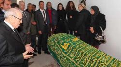 Le président de la République Béji Caïd Essebsi présente ses condoléances à la famille d'Azzedine Alaïa