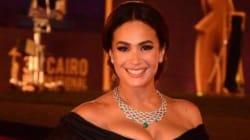 L'actrice tunisienne Hend Sabri reçoit le prix d'excellence Faten Hamama en adressant un message à la Tunisie