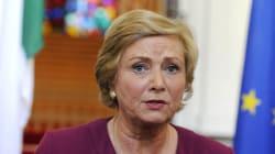 Παραιτήθηκε η αντιπρόεδρος της ιρλανδικής κυβέρνησης μετά το σκάνδαλο. Απομακρύνεται το σενάριο των πρόωρων