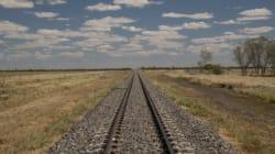 Τουλάχιστον 21 άνθρωποι τραυματίστηκαν όταν εκτροχιάστηκε τρένο στη