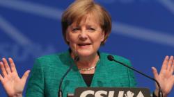 메르켈이 '최대 위기'를 일단 피하게