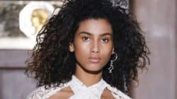 La mannequin d'origine marocaine Imaan Hammam détient le record de couvertures de Vogue en