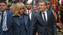 Aux cris de demandes de visa, Macron et sa femme visitent la médina de Tunis (VIDÉO,