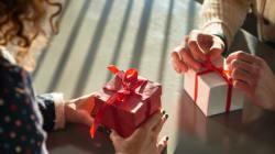 Vous ne savez pas quoi lui offrir pour la Saint-Valentin, voici les idées du HuffPost