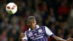 Le Maroc et le Sénégal se disputent Issa Diop, jeune espoir du football
