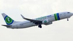 Des flatulences dans un avion entraînent une bagarre et un atterrissage