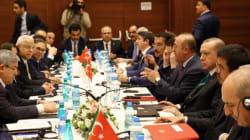 Entretiens bilatéraux entre les délégations turque et
