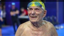 Cet homme vient d'exploser le record du monde du 50 mètres nage libre (des plus de 100