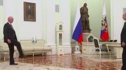 Poutine jonglant avec un ballon? À 100 jours de la prochaine Coupe du monde, la FIFA l'a fait