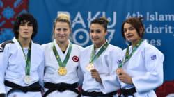 Championnat du monde de judo au Maroc: l'Algérienne Amina Belkadi refuse d'affronter une israélienne et se