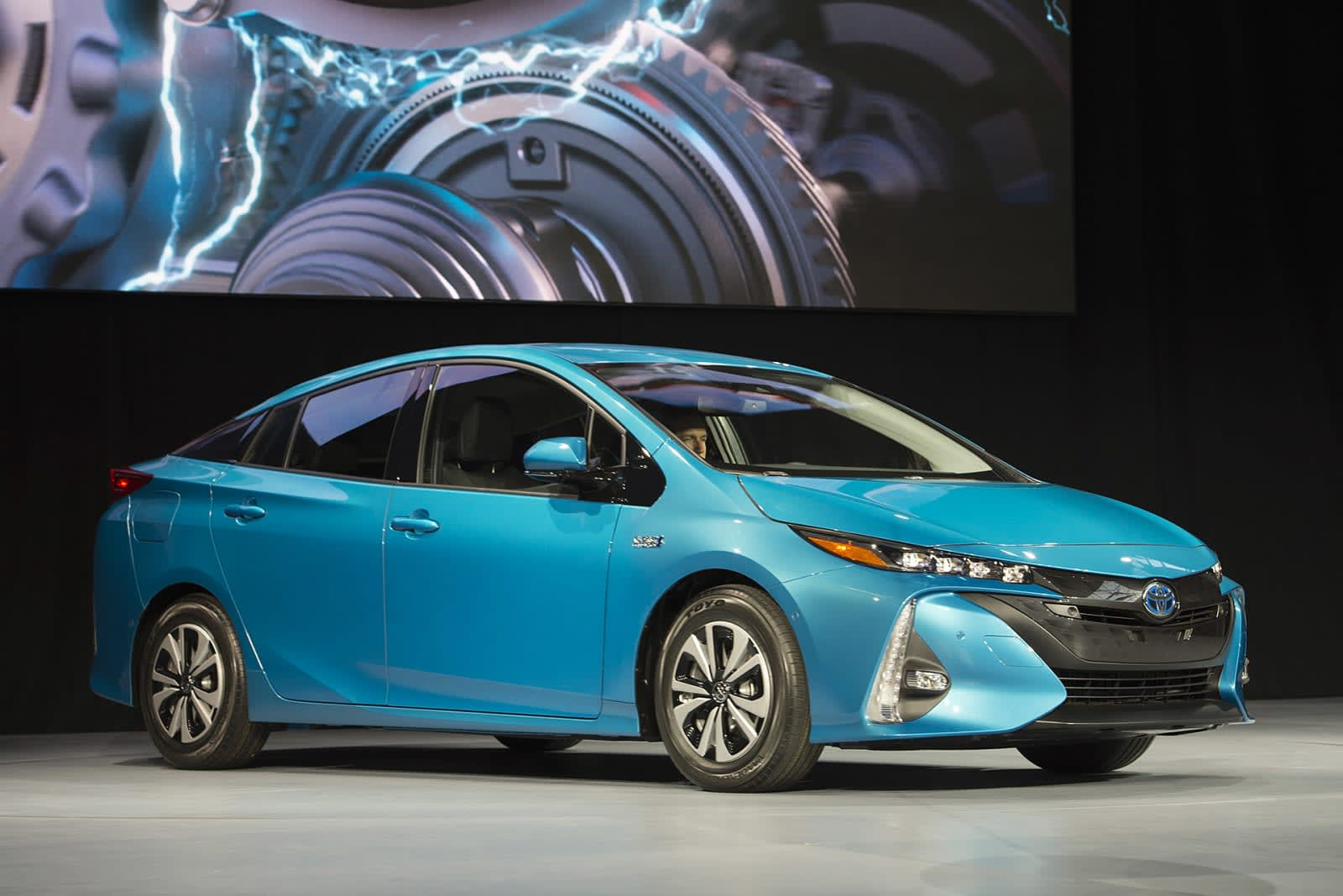 Drew Phillips Toyota S Latest Take On A Plug In Hybrid The 2017 Prius Prime