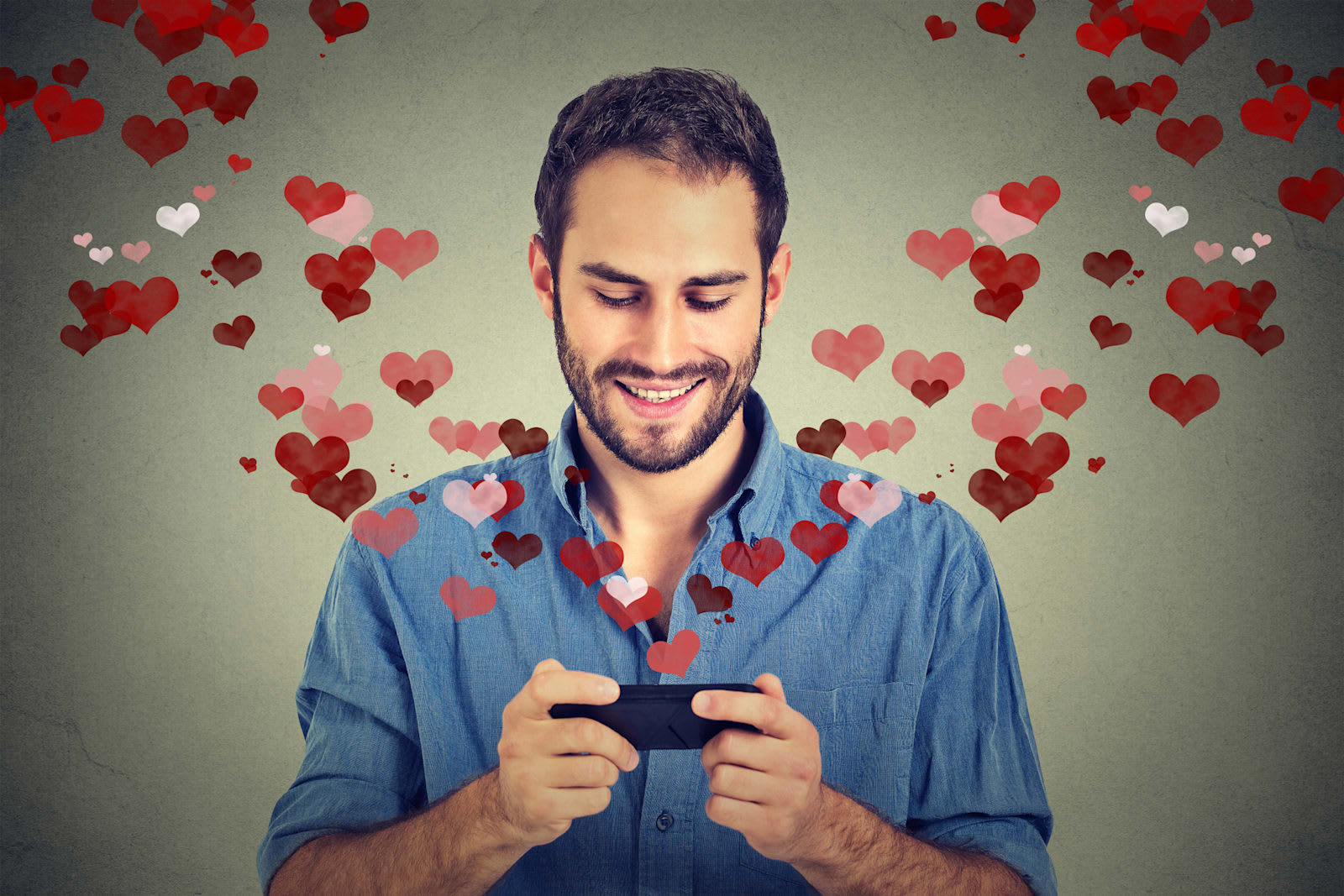 We tend to 150.000 the women who like most online dating apps and sites like tinder.