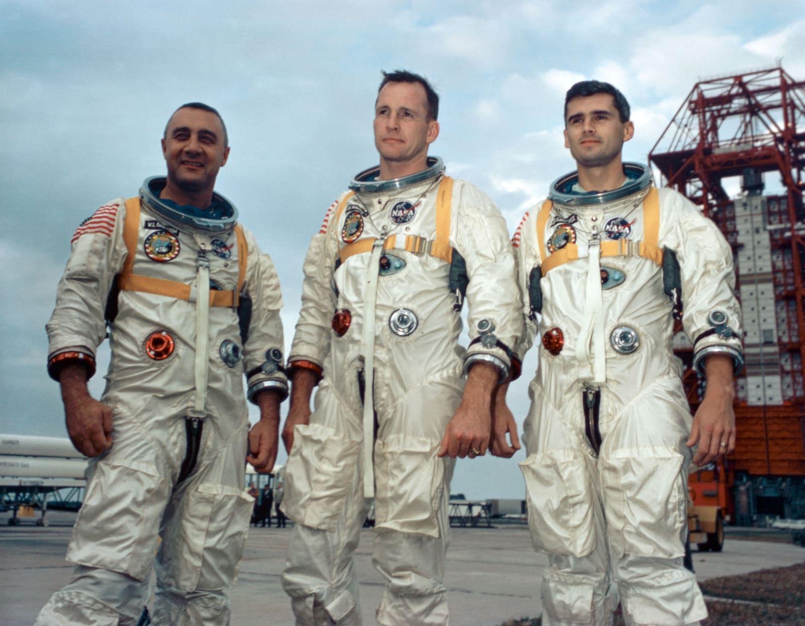 astronauts apollo 1 - HD1041×810