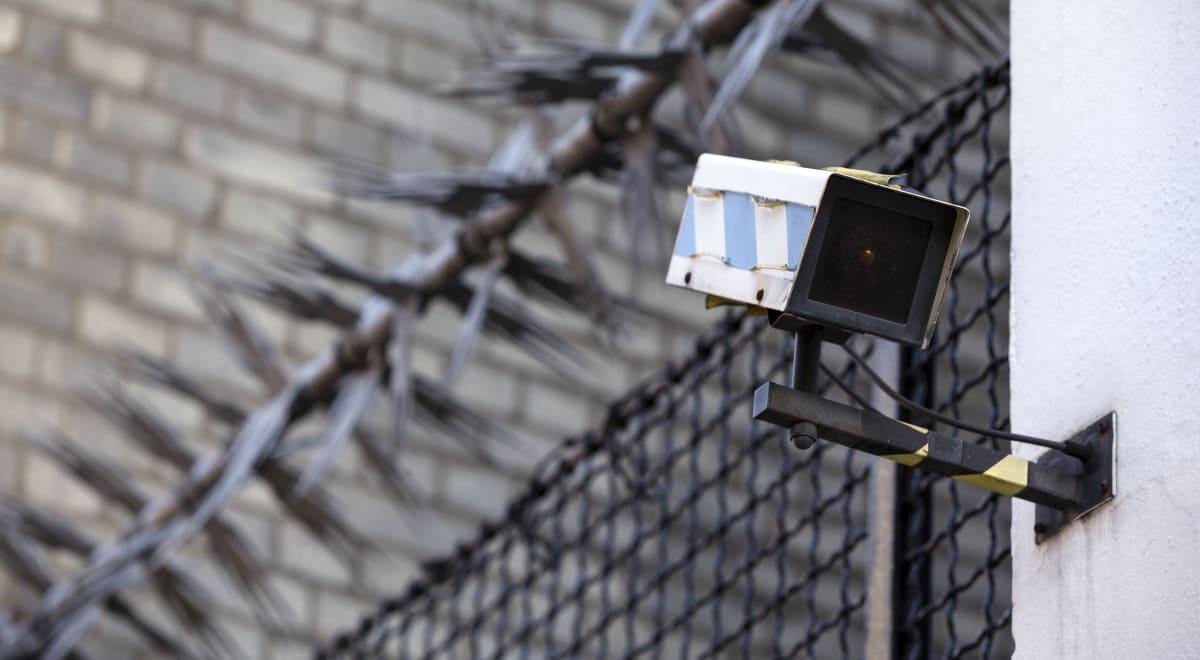 Malware turns hundreds of security cameras into a botnet