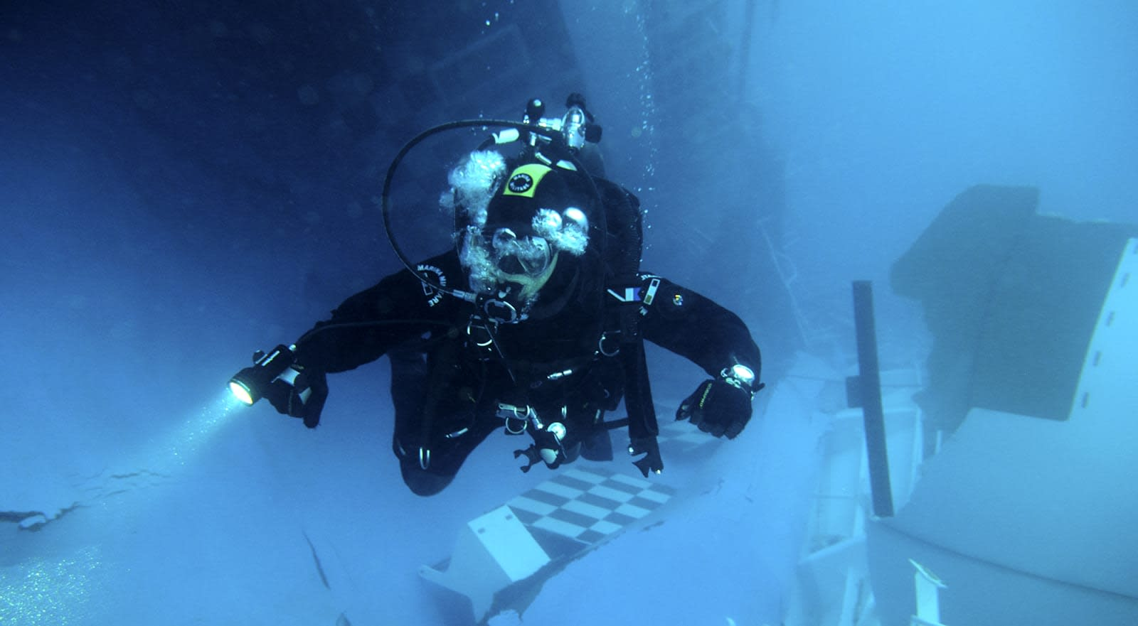 Transmitter tech opens the door to underwater radio