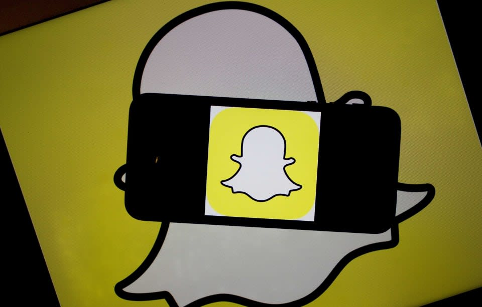 Snapchat CEO posts a grainy video explaining how his app works