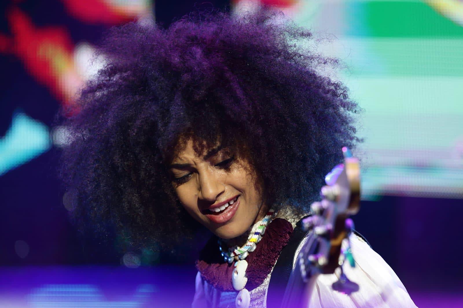 Jazz star Esperanza Spalding to record an album on Facebook Live