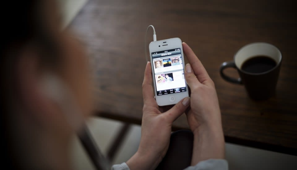 Spotify tells iOS users how to avoid iTunes charges and pay less