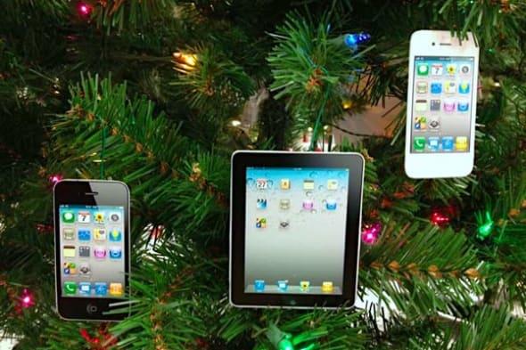 Help family members keep track of Apple ID/iCloud details