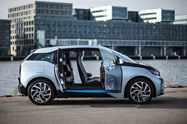 BMW unveils prototype self-driving car platform, i Remote
