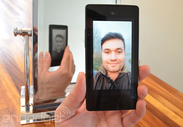 YotaPhone review: LCD on the front, E Ink on the back, unique all over