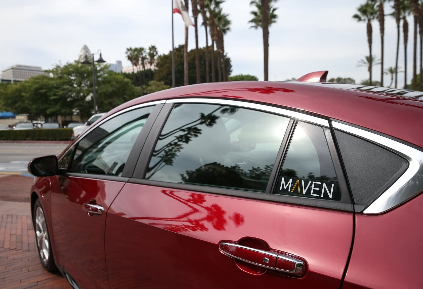 How To Get Lyft Amp >> GM's car-sharing program links Uber drivers to weekly rentals
