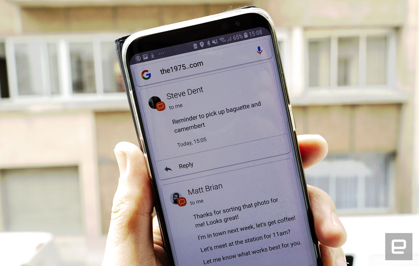 Bizarre Android bug displays private text messages