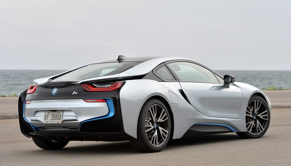 Bmw Can T Build Its 135 000 Plug In Hybrid Fast Enough