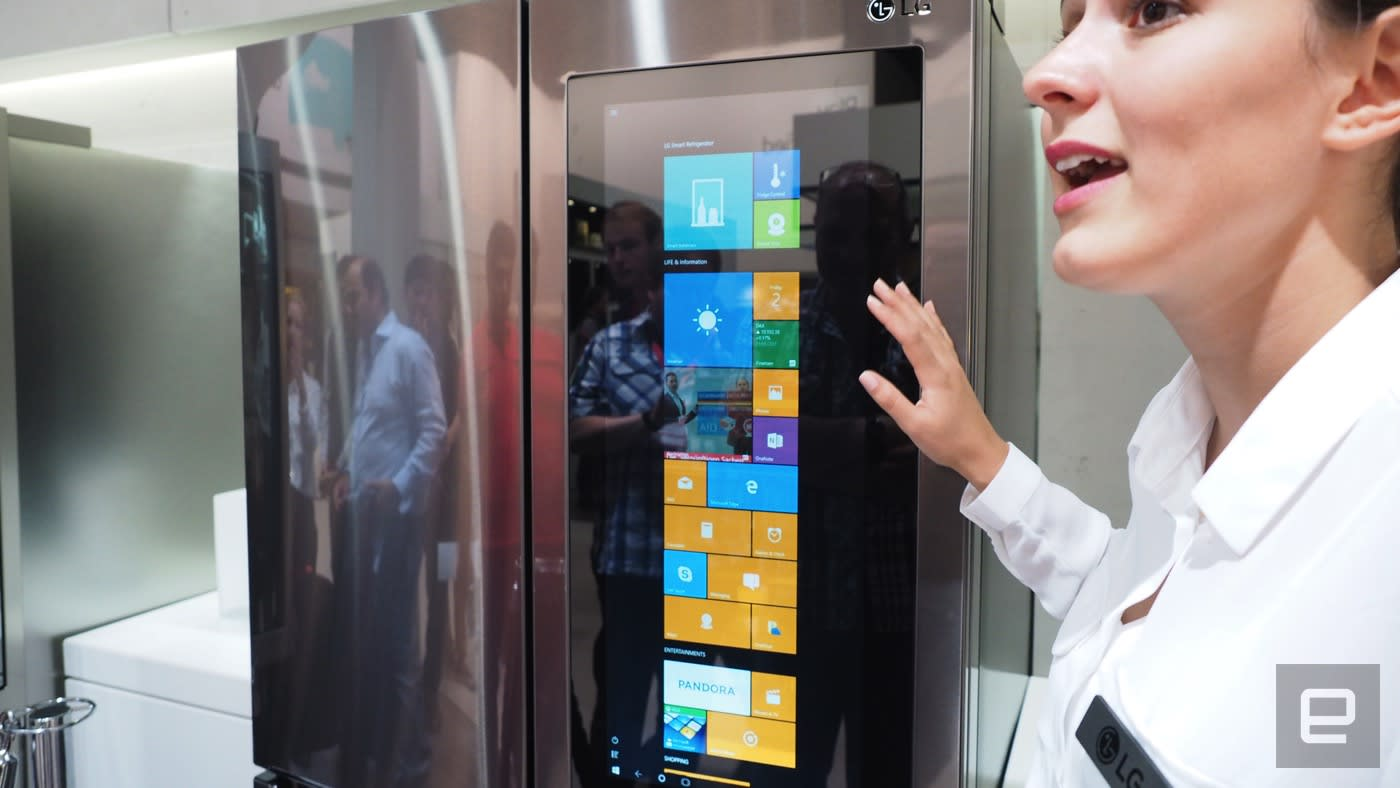 LG's 29-inch Windows 10 tablet comes stuck to a smart fridge