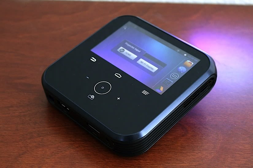 Sprint LivePro review: A mediocre projector hotspot that