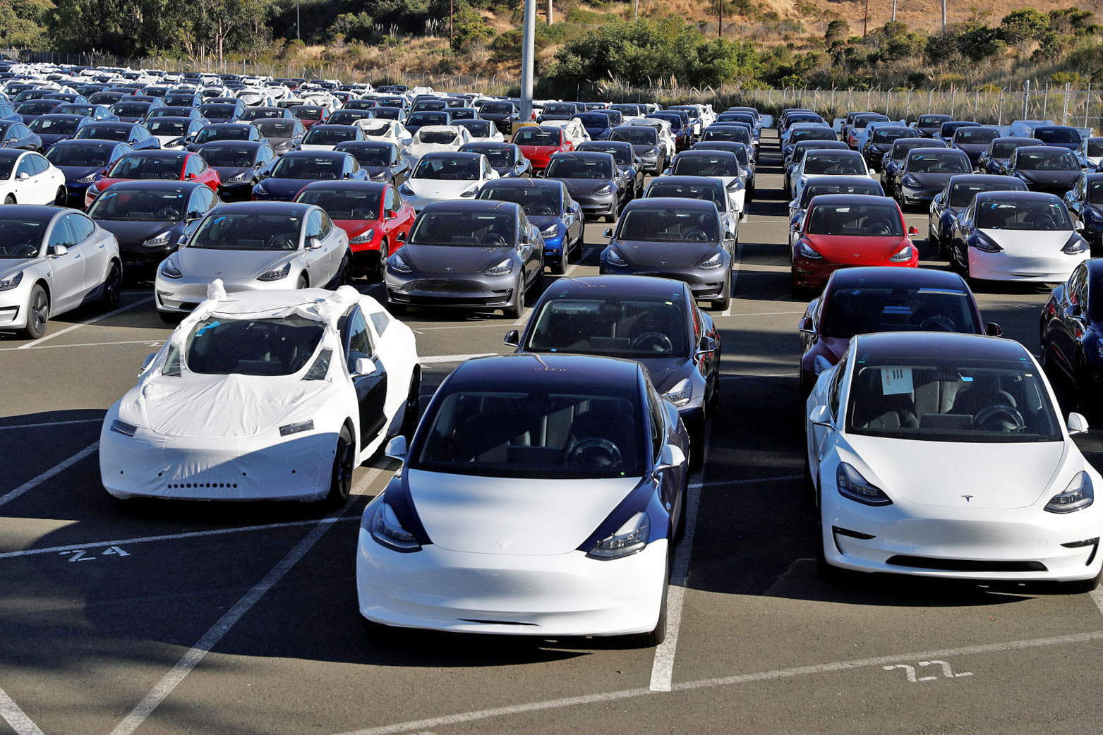 Tesla drops color options to speed up production