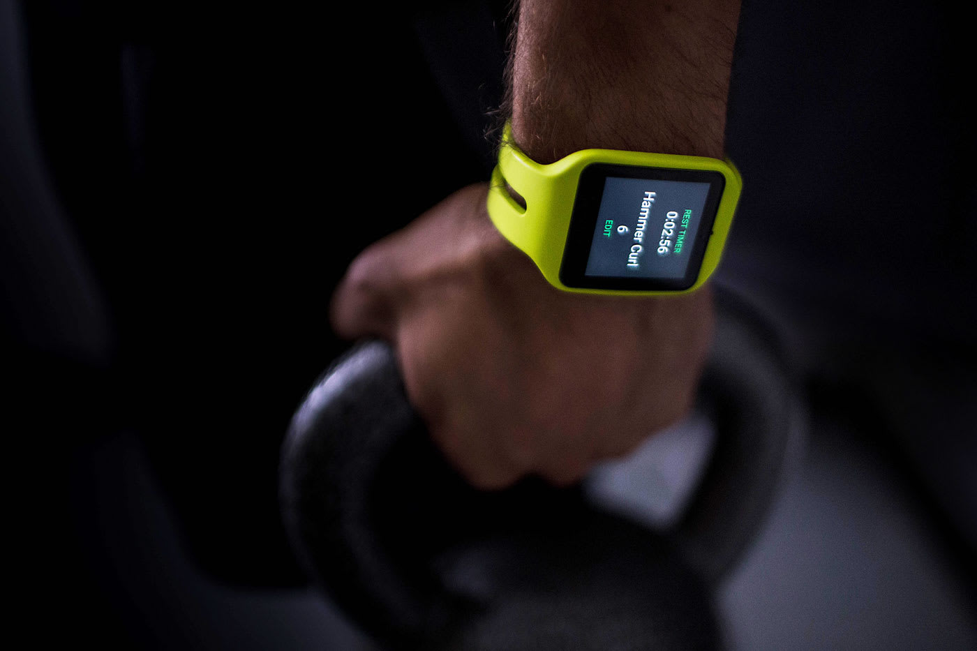 Rithmio Edge tracks weightlifting sessions with Android Wear