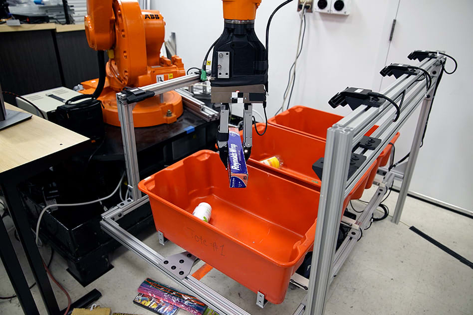 Robots that pick up and sort objects may improve warehouse