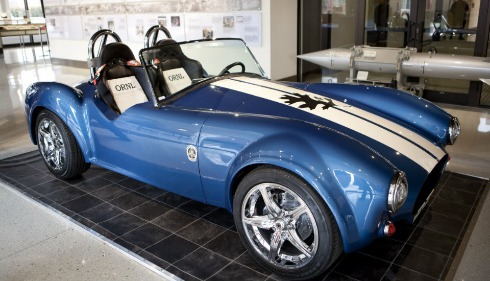 Carroll Shelby S Iconic Cobra Roadster Has Been Making Jaws Drop For Half A Century Now To Celebrate The 50th Anniversary Of Debut Us