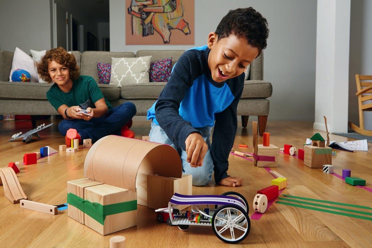 littlebits gizmos and gadgets kit gives kids a range of diy
