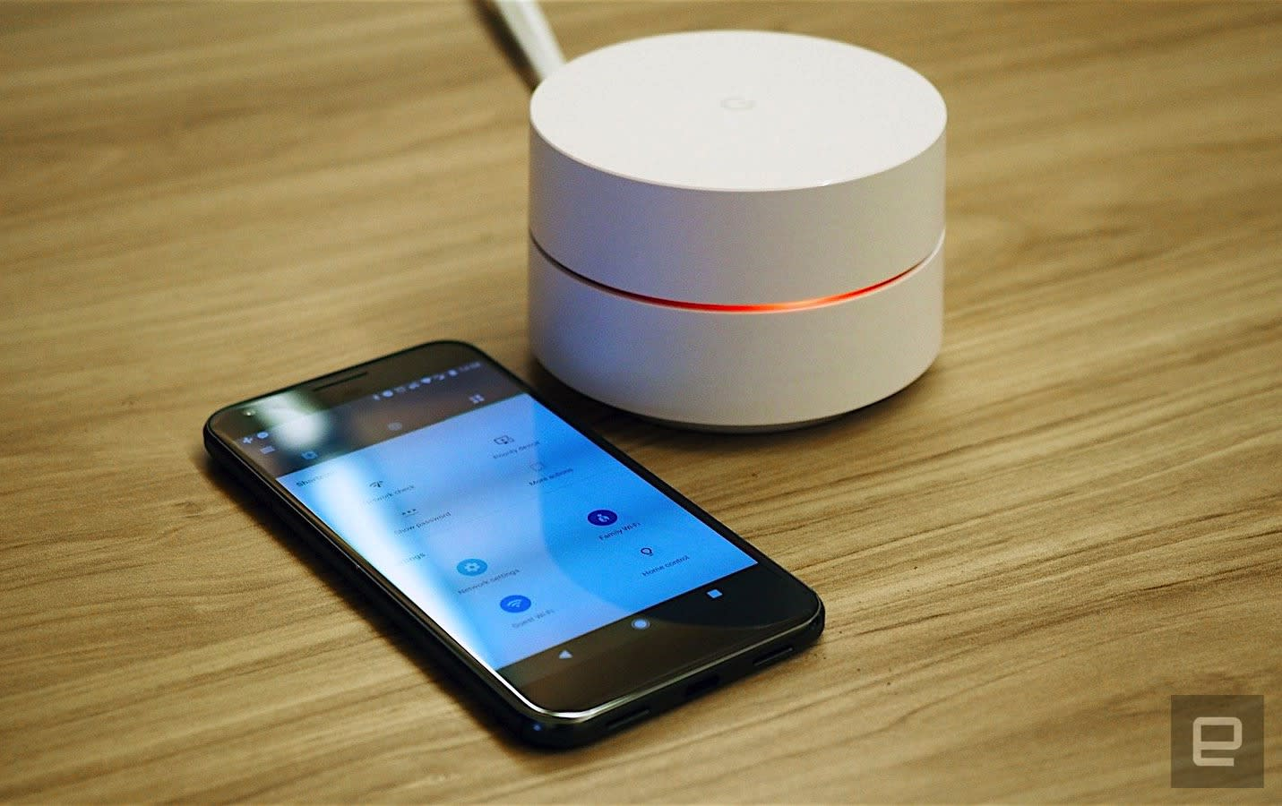 Google WiFi adds site blocking to its family-friendly features
