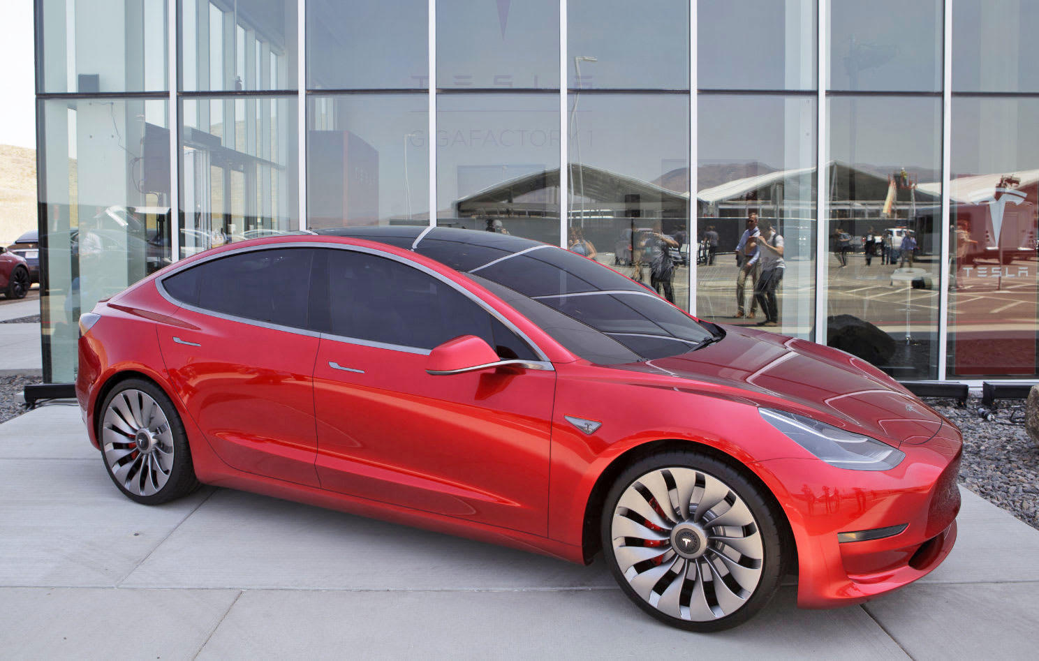 Bloomberg Via Getty Images Earlier This Month Consumer Reports Chose Not To Recommend Tesla S Model 3