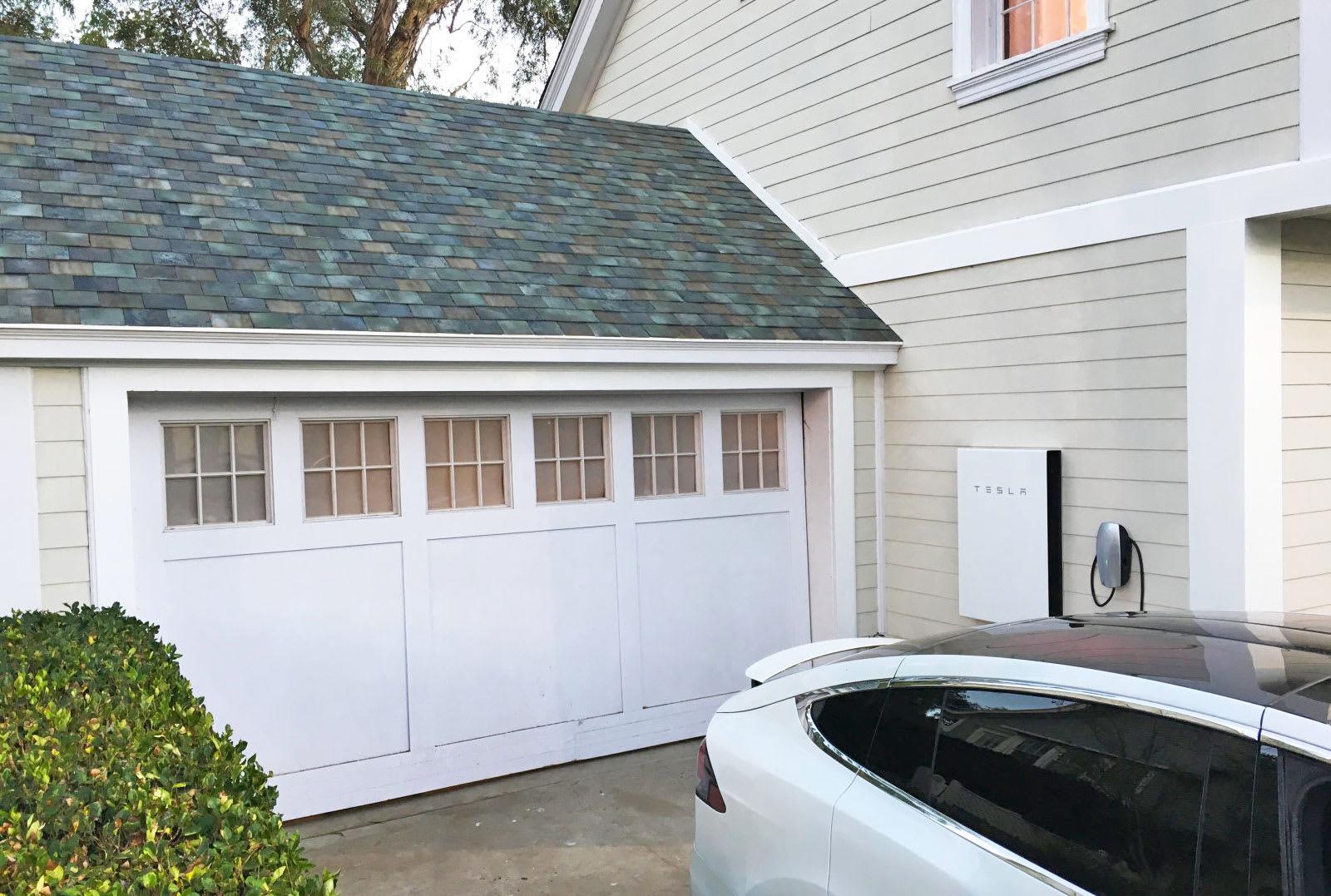 Tesla Solar Roof Order >> Tesla Starts Taking Solar Roof Orders Next Month