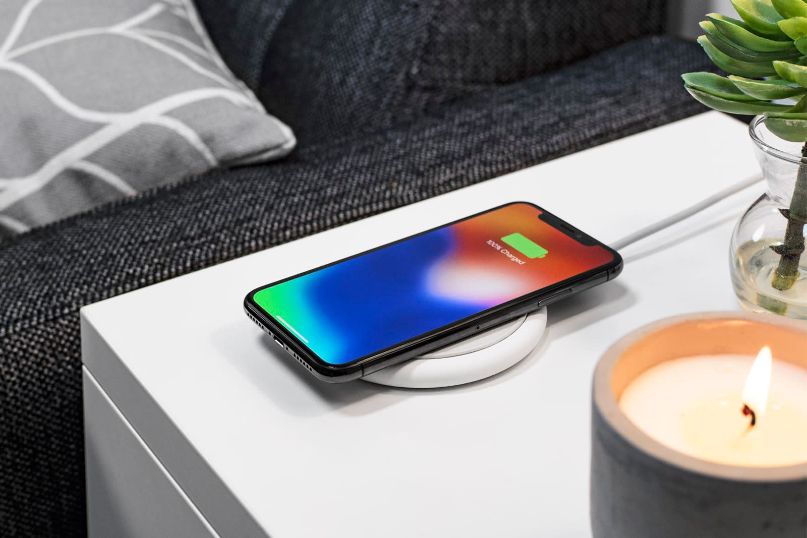 half off f8bff 05f2d Mophie pad offers fast wireless charging for Apple and Samsung phones