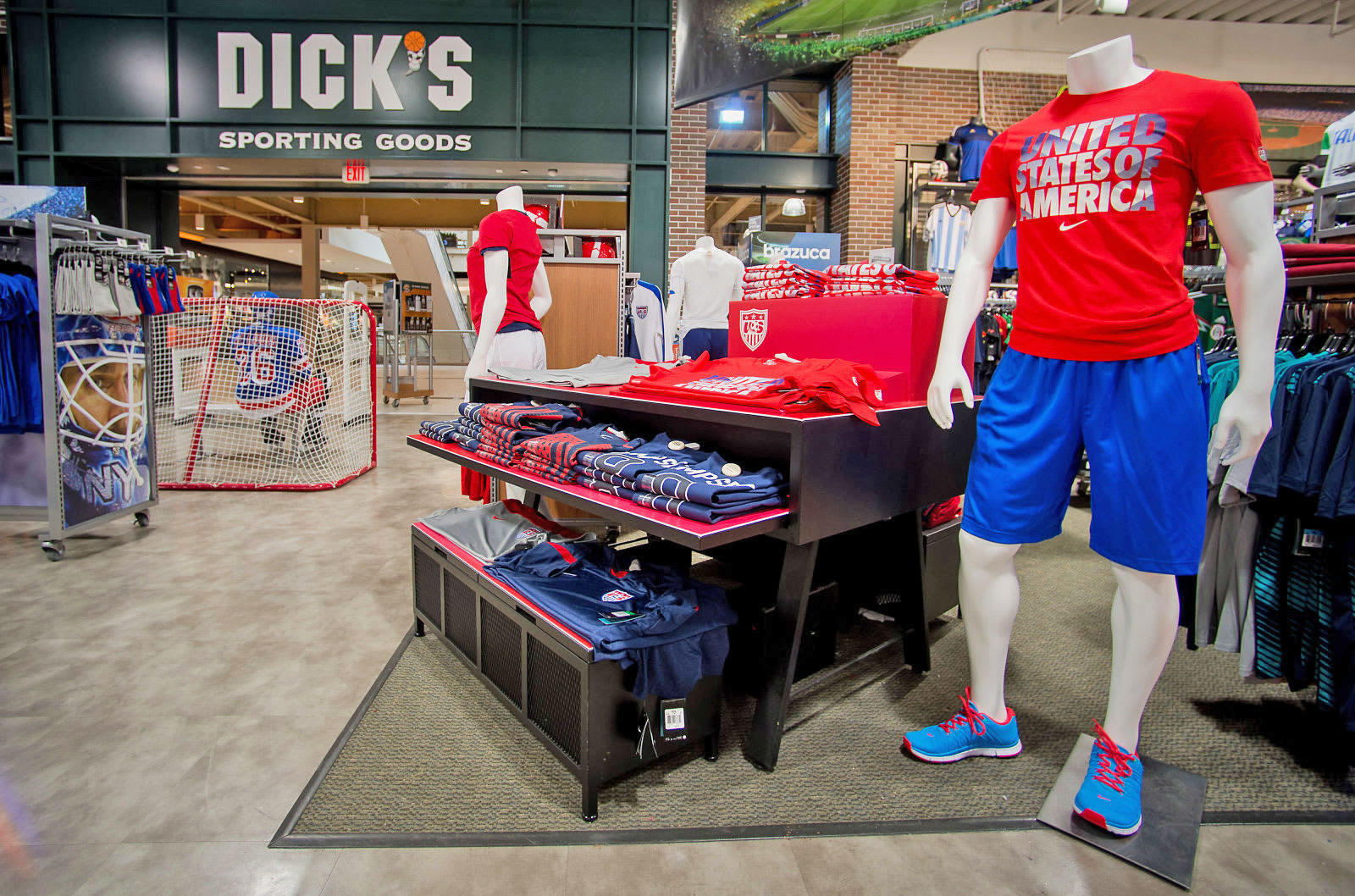 the latest 08704 02d2f Bloomberg via Getty Images. In what s yet another sign of the shifting  retail landscape, Dick s Sporting Goods ...