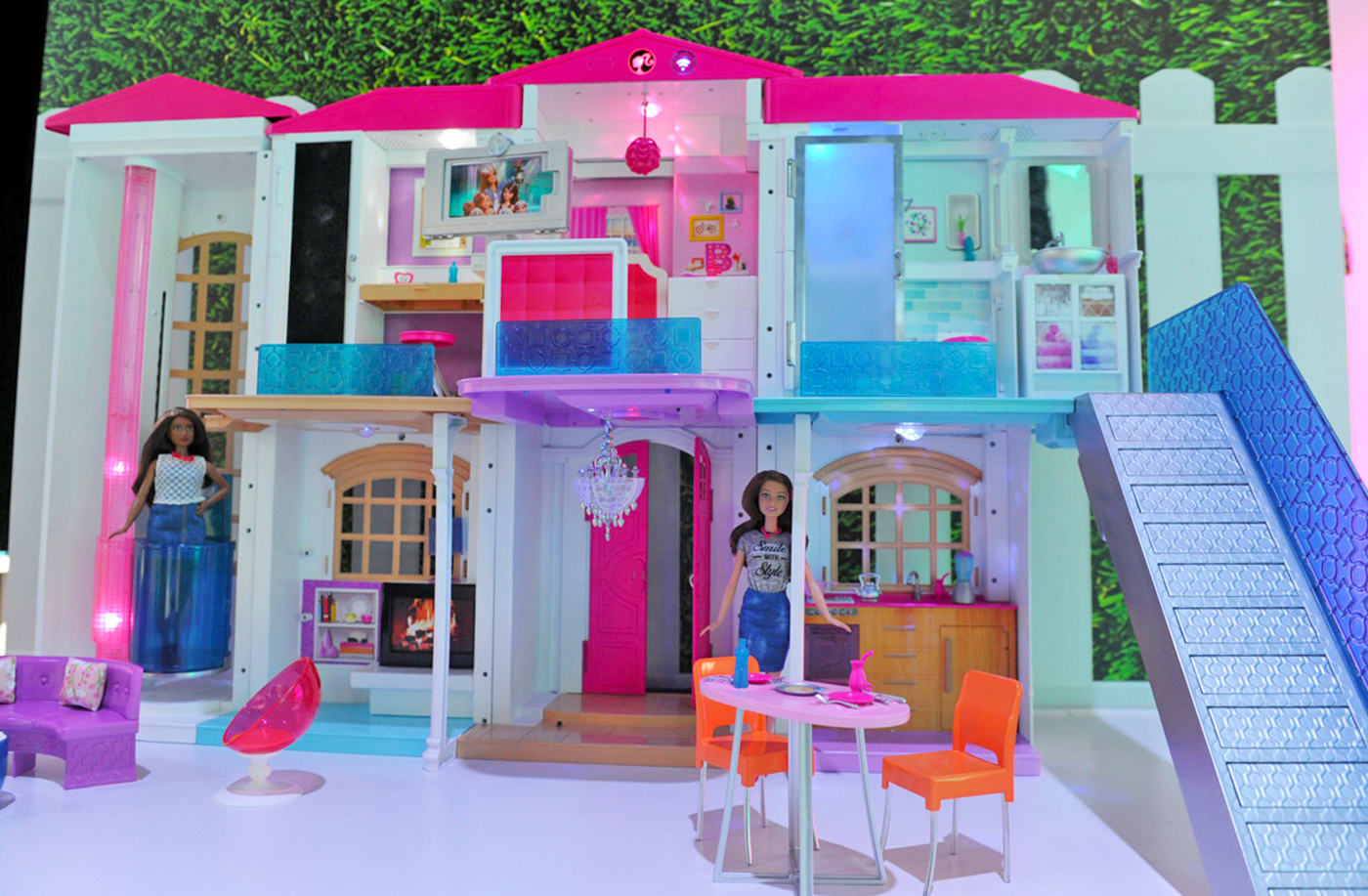 Barbie's new Dreamhouse goes full IoT with voice commands