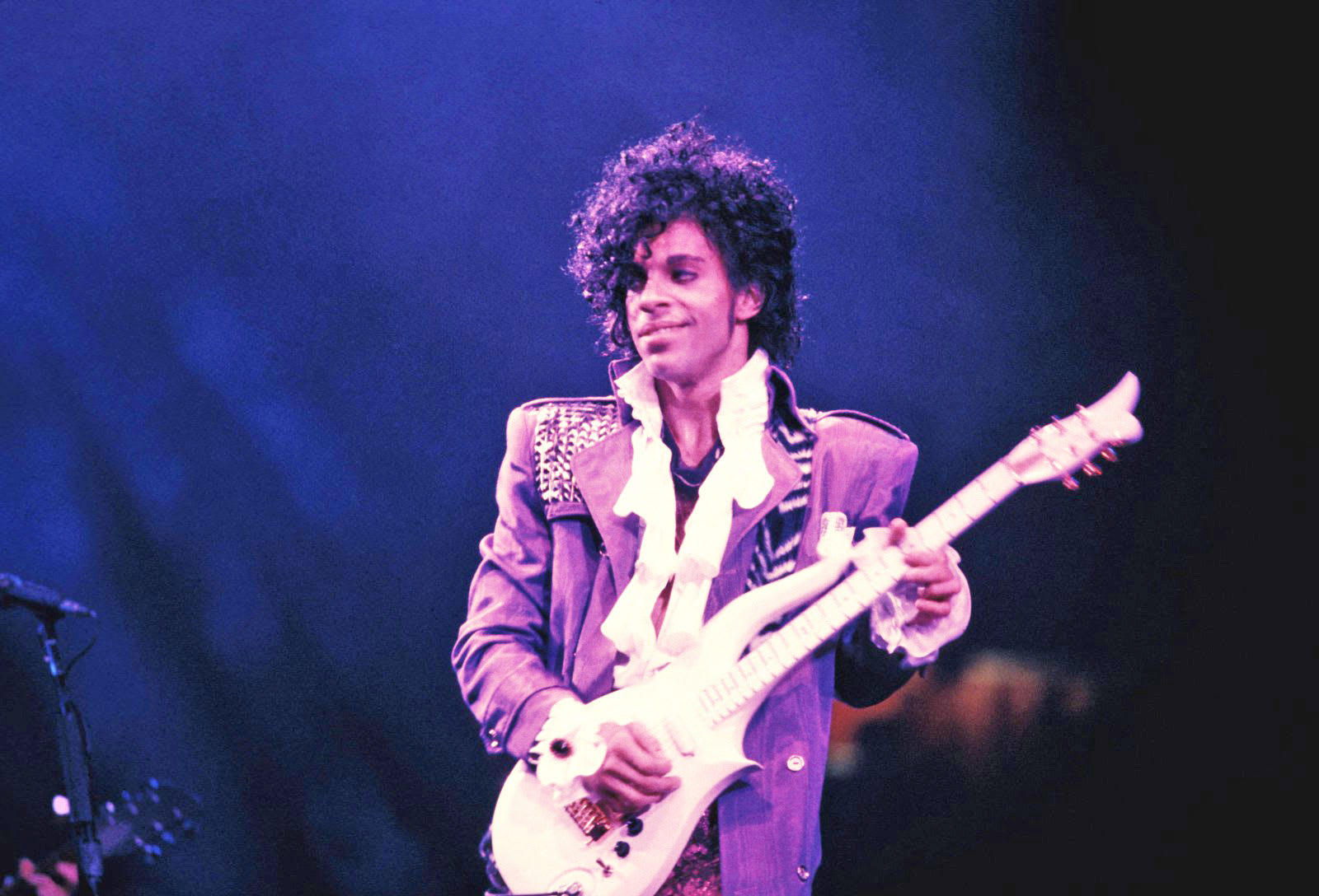 Prince's music returns to Spotify and other services this